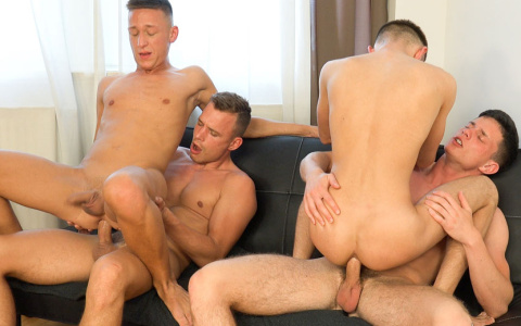 Two Bottoms Compete for Two Cumloads in Fourway