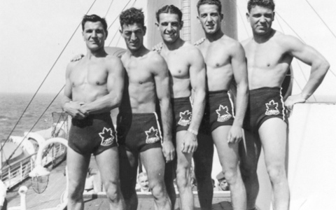 Flashback: World's Sexiest Accordion Player & Other Hunks