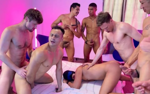 9 Barebackers Fuck in Mexico City Group Orgy