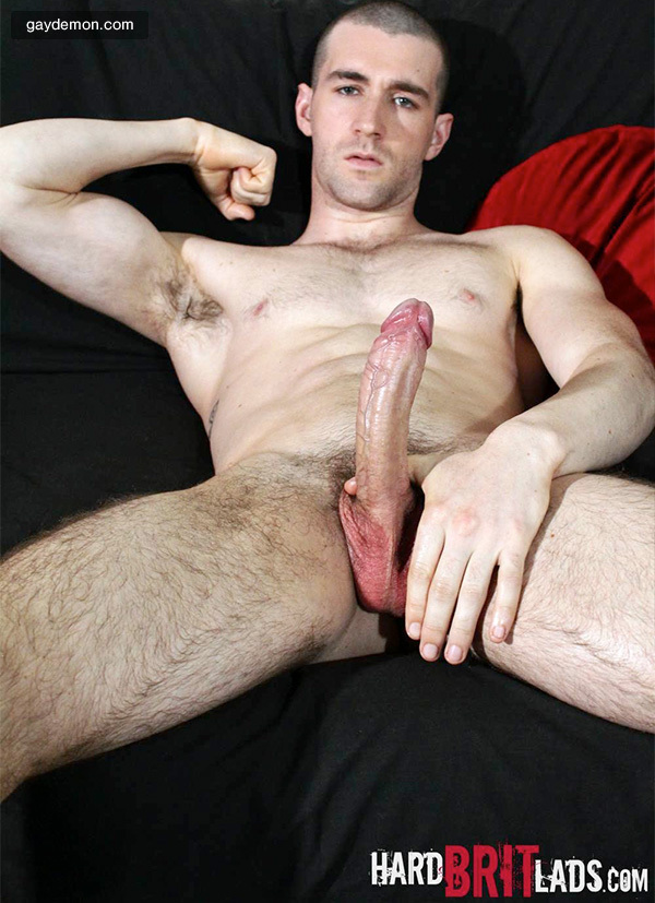 Aussie Hunk Woody Fox Sporting a New Haircut