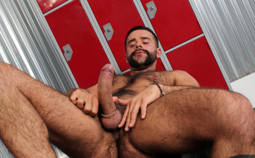 Teddy Torres Jacks Off His Thick Dick