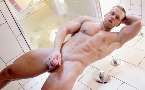Brad Jacks Off His Big Cock In The Shower