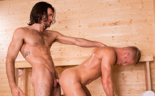 Woody Fox fucks muscle bottom Johnny V