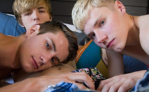 8teenboy: The Power of Three Superb Twink Feature Streets