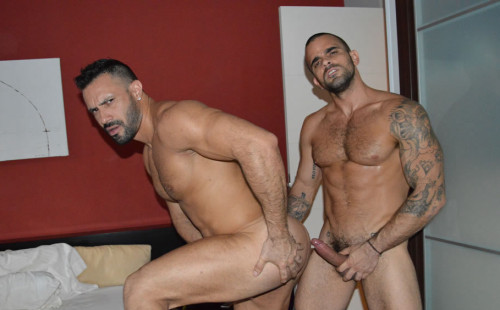 The Good Husband - Damien Crosse fucks muscle bottom Flex