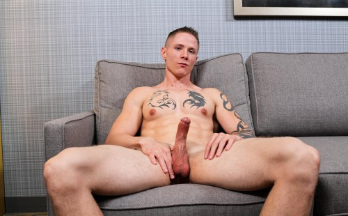 Straight Soldier Guy Houston Strokes His Hard Cock