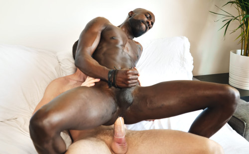 Porn newcomer Peter Connor rides Tim Kruger's thick meat