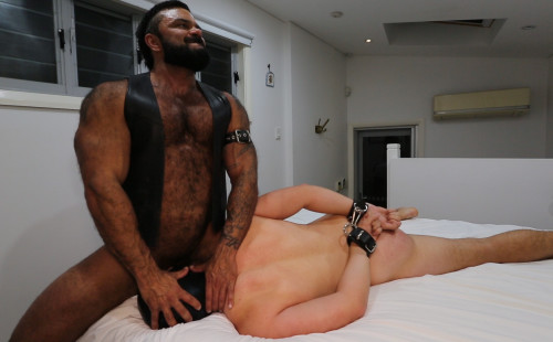 Rogan Richards dominates an eager bottom in HOODS 4 Sub-Boy