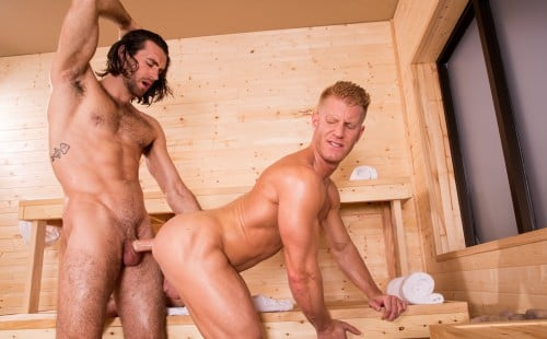 Woody Fox fucks Johnny V's bubble butt at Hot House