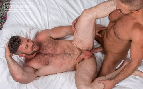 Big muscle men Liam Knox and Dirk Caber fuck each other
