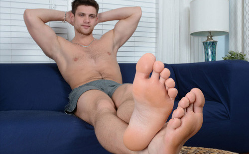 Sexy Russian Hunk Shows Off His Bare Feet