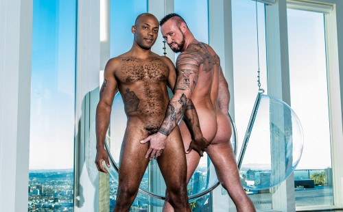 Hairy muscle studs Osiris Blade and Michael Roman fuck