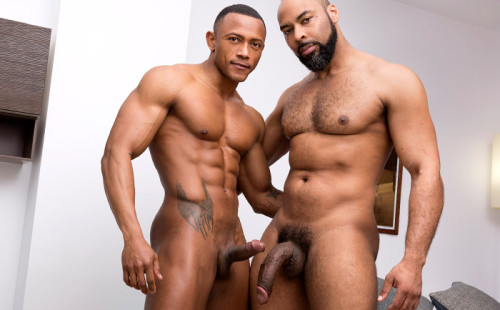 Monster-dicked daddy Ray Diesel Pounds Hungry Bottom Santi