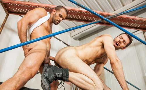 Damien Crosse Fucks Hairy Bottom Dario Beck